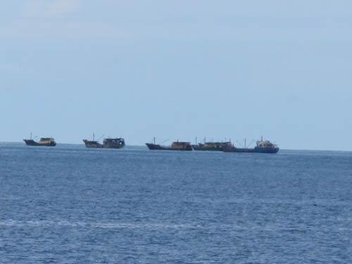 """Cảnh sát biển VN """"truy"""" tàu lạ Biển Đông - 6"""