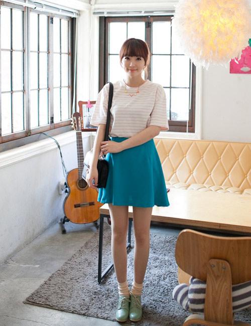 Chọn chân váy màu sắc cho nữ công sở trẻ - 13