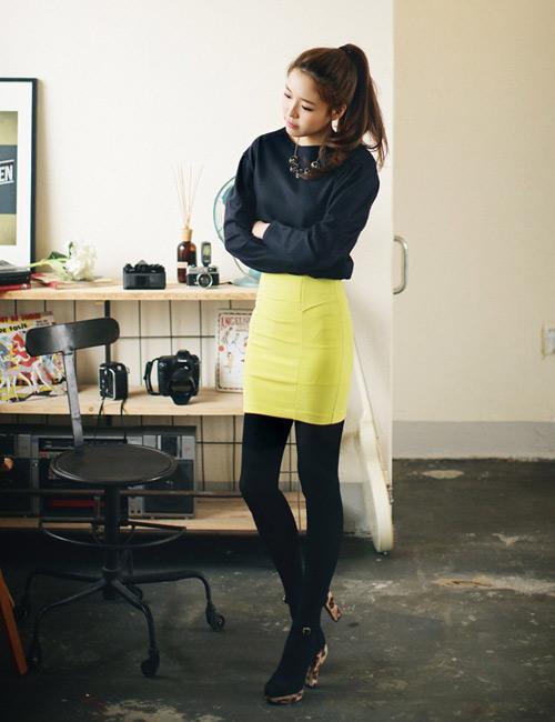 Chọn chân váy màu sắc cho nữ công sở trẻ - 3
