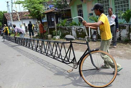 Indonesia: Xe đạp dài 13m cho một người lái - 1