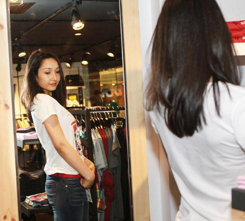 Theo chân Anna Trương đi mua sắm - 4