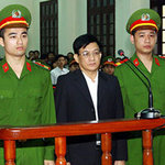 Tin tức trong ngày - Phạt cựu Chủ tịch Tiên Lãng 15 tháng tù treo