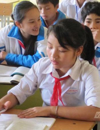 Vụ 16 nữ sinh cười ngất: Náo loạn vùng quê - 1