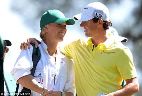 McIlroy khóa môi Wozniacki trên sân golf - 2