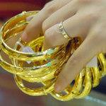 Tài chính - Bất động sản - Vàng nội 'lao dốc' cùng vàng thế giới