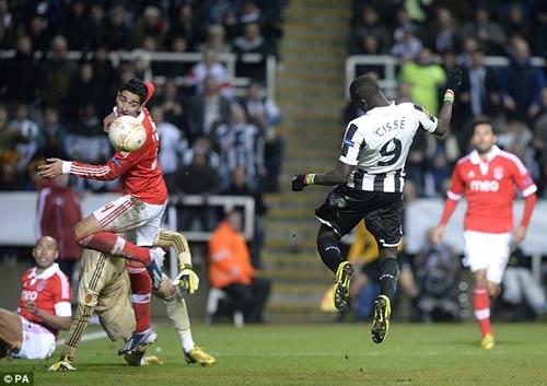 Newcastle – Benfica: Quyết tâm cao độ - 1