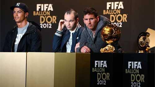 Ronaldo đang hay hơn Messi? - 2