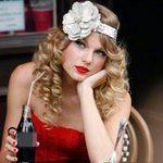 Thời trang - Học Taylor Swift khoe nét duyên
