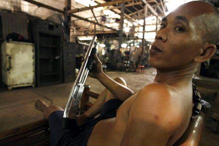 Đột nhập thế giới súng phi pháp - 4
