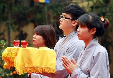 Học sinh đến chùa... hỏi thi đại học - 7
