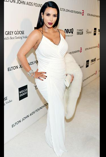 Đỏm dáng như bà bầu Kim Kardashian - 11
