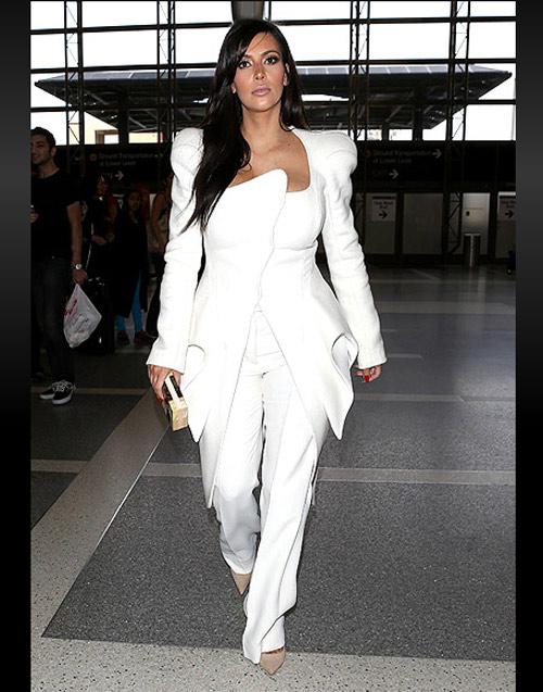 Đỏm dáng như bà bầu Kim Kardashian - 12