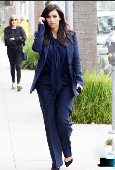 Đỏm dáng như bà bầu Kim Kardashian - 4