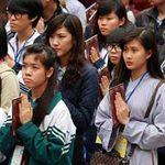 Học sinh đến chùa... hỏi thi đại học