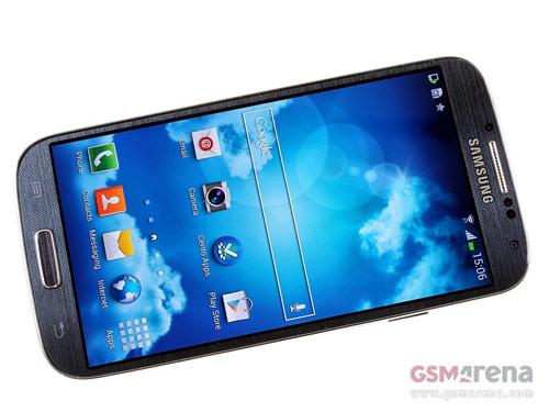 Samsung Galaxy S4 vs Sony Xperia Z: Khi hA�ng kha��ng cha??m trA?n - 2