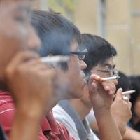 Mở đợt cao điểm phạt hút thuốc nơi công cộng?