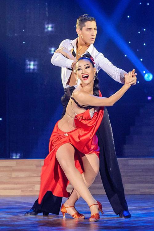 Bước nhảy Hoàn vũ: Dù kín vẫn đẹp & sexy - 9