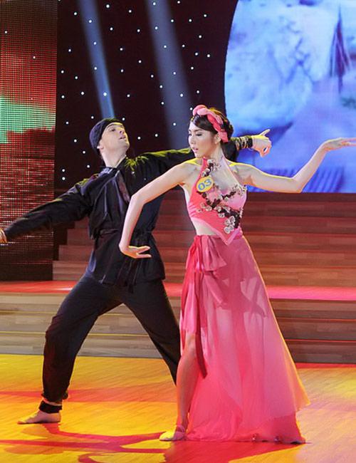 Bước nhảy Hoàn vũ: Dù kín vẫn đẹp & sexy - 2