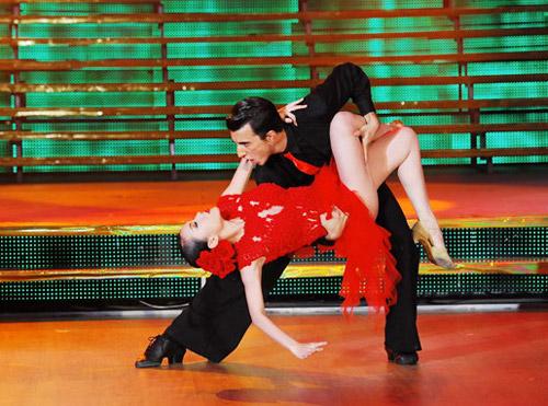 Bước nhảy Hoàn vũ: Dù kín vẫn đẹp & sexy - 13