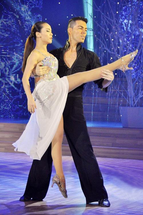 Bước nhảy Hoàn vũ: Dù kín vẫn đẹp & sexy - 17