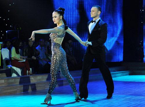 Bước nhảy Hoàn vũ: Dù kín vẫn đẹp & sexy - 5
