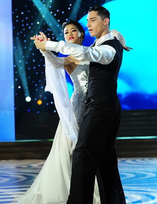 Bước nhảy Hoàn vũ: Dù kín vẫn đẹp & sexy - 8