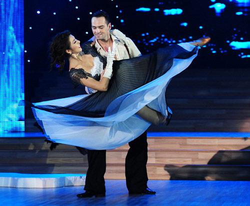 Bước nhảy Hoàn vũ: Dù kín vẫn đẹp & sexy - 3