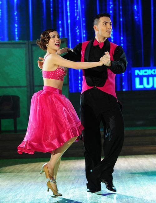 Bước nhảy Hoàn vũ: Dù kín vẫn đẹp & sexy - 11