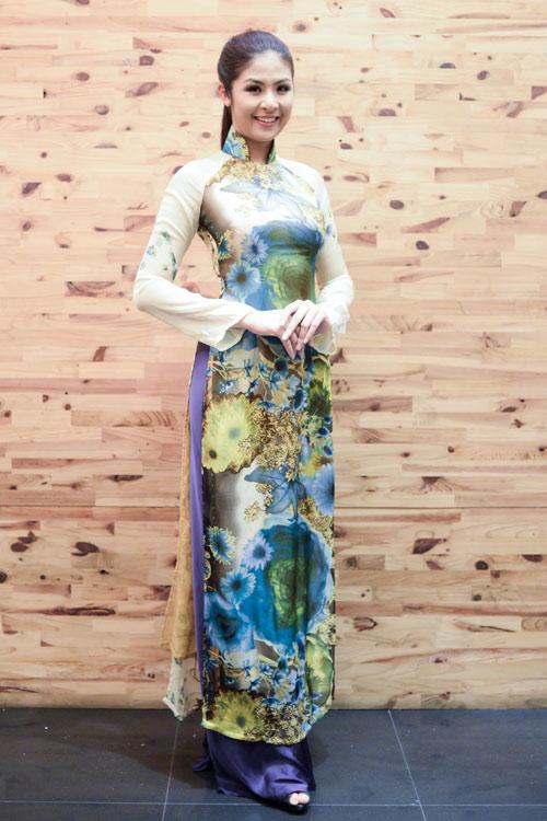Hoa hậu Ngọc Hân thử đồ trước giờ G - 1