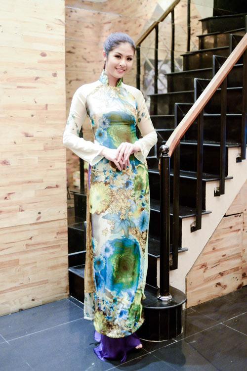Hoa hậu Ngọc Hân thử đồ trước giờ G - 2