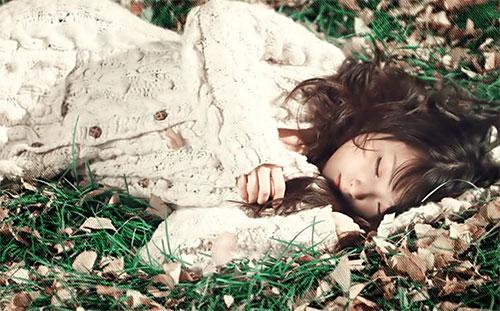 Thơ tình: Một cô gái ngủ lười - 1