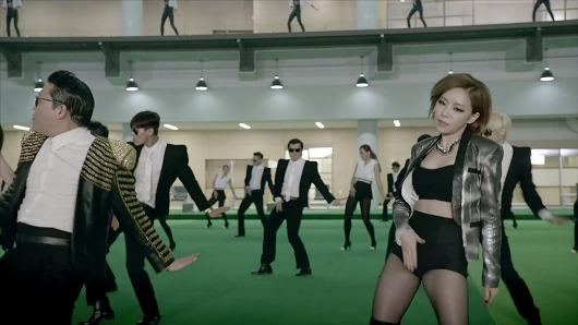 MV mới của cha đẻ Gangnam Style quá bạo - 4