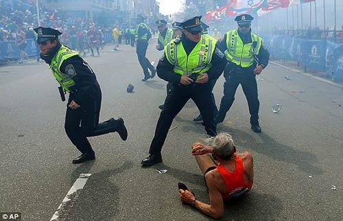 Bảo vệ đua marathon không hề đơn giản - 1