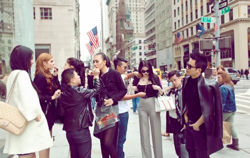 Diệu Huyền xinh đẹp trên phố New York - 1