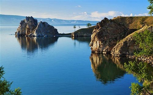 'Khe nứt trái đất' biến thành hồ nước tuyệt đẹp - 4