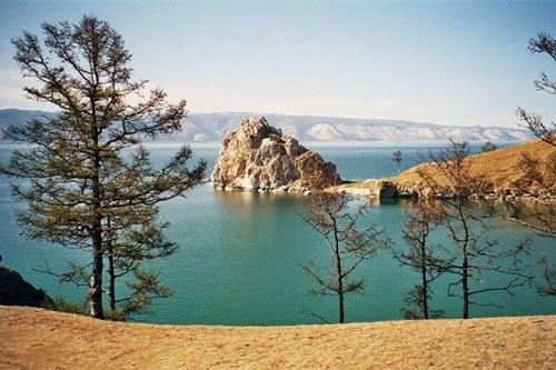 'Khe nứt trái đất' biến thành hồ nước tuyệt đẹp - 7