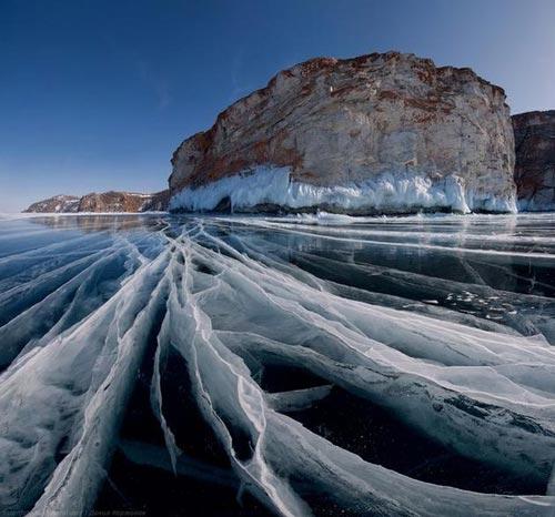'Khe nứt trái đất' biến thành hồ nước tuyệt đẹp - 14