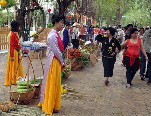 TPHCM: Tưng bừng lễ Giỗ Tổ Hùng Vương - 8