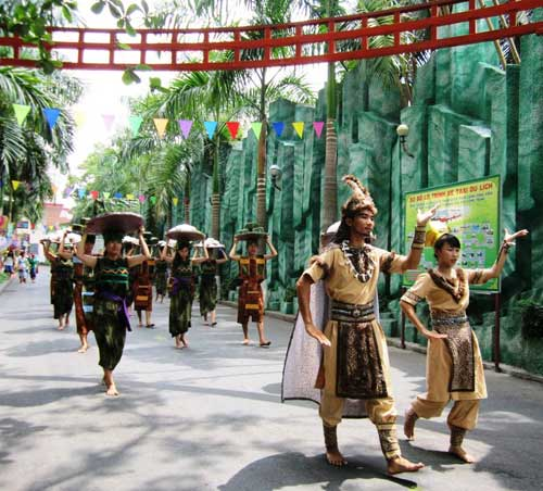 TPHCM: Tưng bừng lễ Giỗ Tổ Hùng Vương - 1