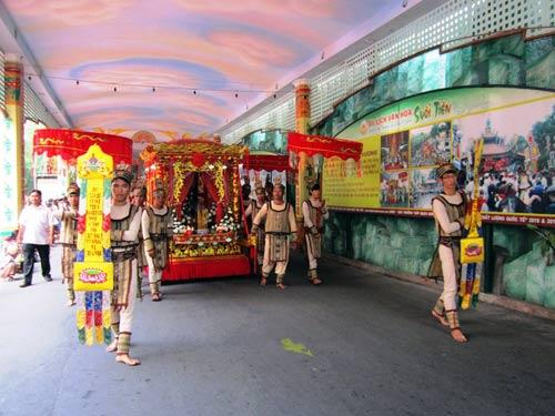 TPHCM: Tưng bừng lễ Giỗ Tổ Hùng Vương - 4