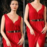 Thời trang - Hoa hậu Thùy Dung e dè giữ váy
