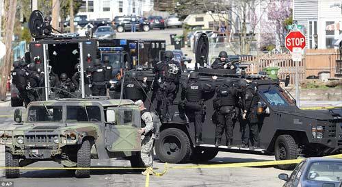 Bắn chết 1 nghi phạm vụ đánh bom Boston - 3