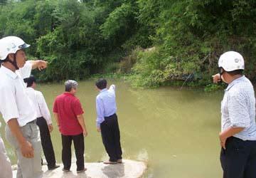 6 HS đuối nước: Xót đau trùm xóm nghèo - 1