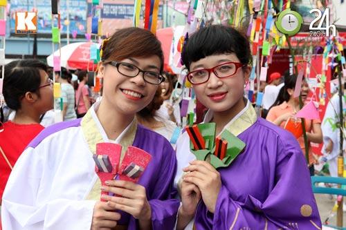 Sôi động Lễ hội hoa Anh đào giữa lòng thủ đô - 5