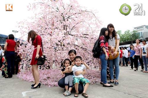 Sôi động Lễ hội hoa Anh đào giữa lòng thủ đô - 14