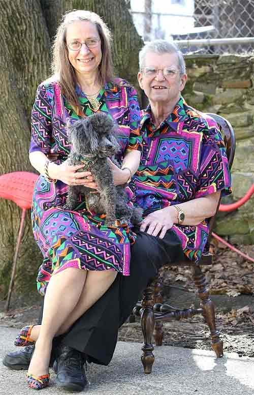 Vợ chồng 35 năm chỉ mặc áo cặp - 5