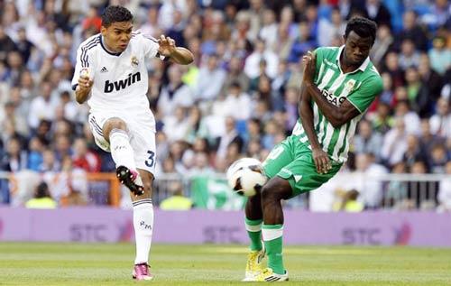 Real hạ Betis: Buồn vui lẫn lộn - 2