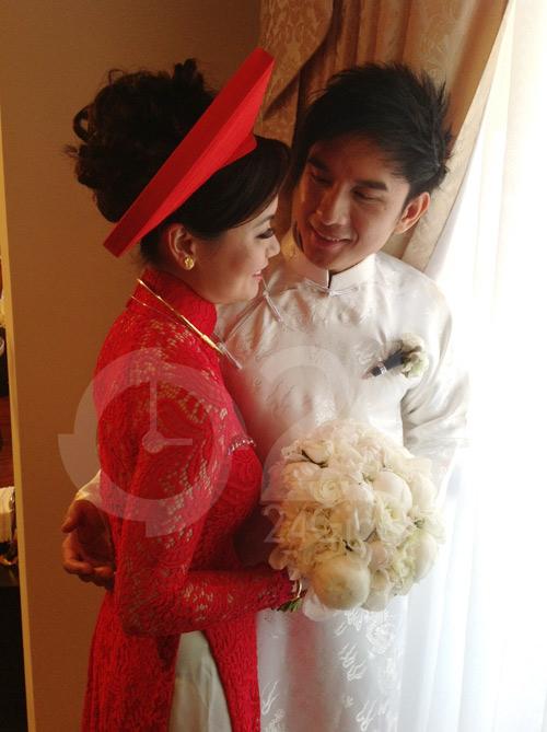 Đan Trường mặc áo dài hôn cô dâu Thủy Tiên - 4