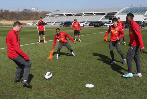 MU: Rooney, Kagawa hay cả hai? - 1