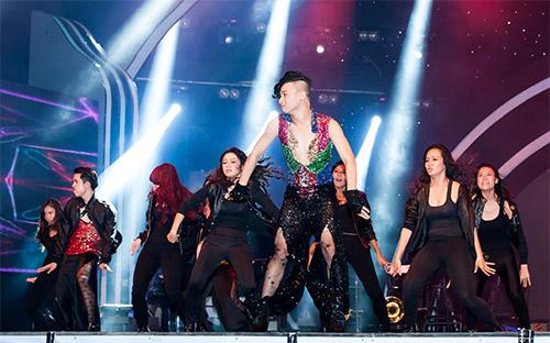 Vũ công giả gái gây sốt VN's Got Talent - 5
